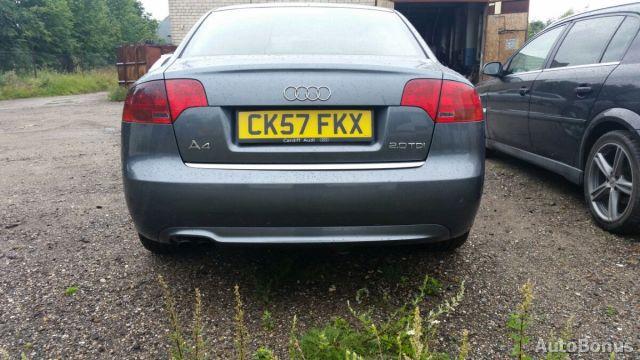 Audi A4, Sedanas | 1