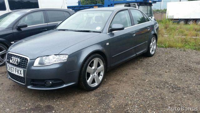 Audi A4, Sedanas | 2