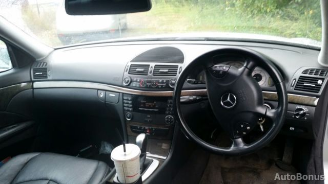 Mercedes-Benz E klasė, Sedanas   2