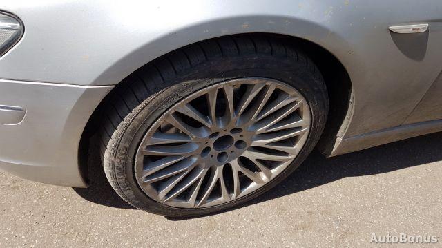 BMW 7 serija, Sedanas