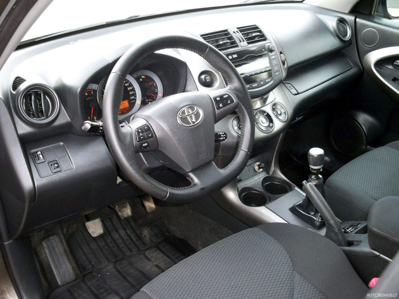 Toyota RAV4, Visureigis, 2010-11   14