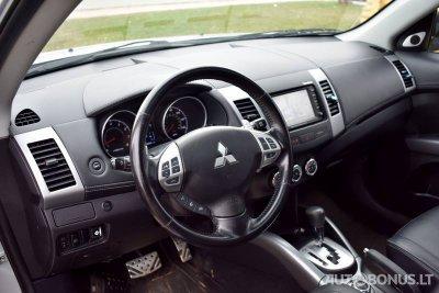 Mitsubishi Outlander | 3