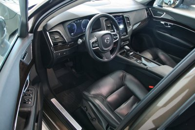Volvo XC90   3