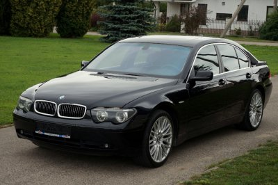 BMW 745   1
