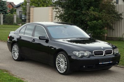BMW 745   0