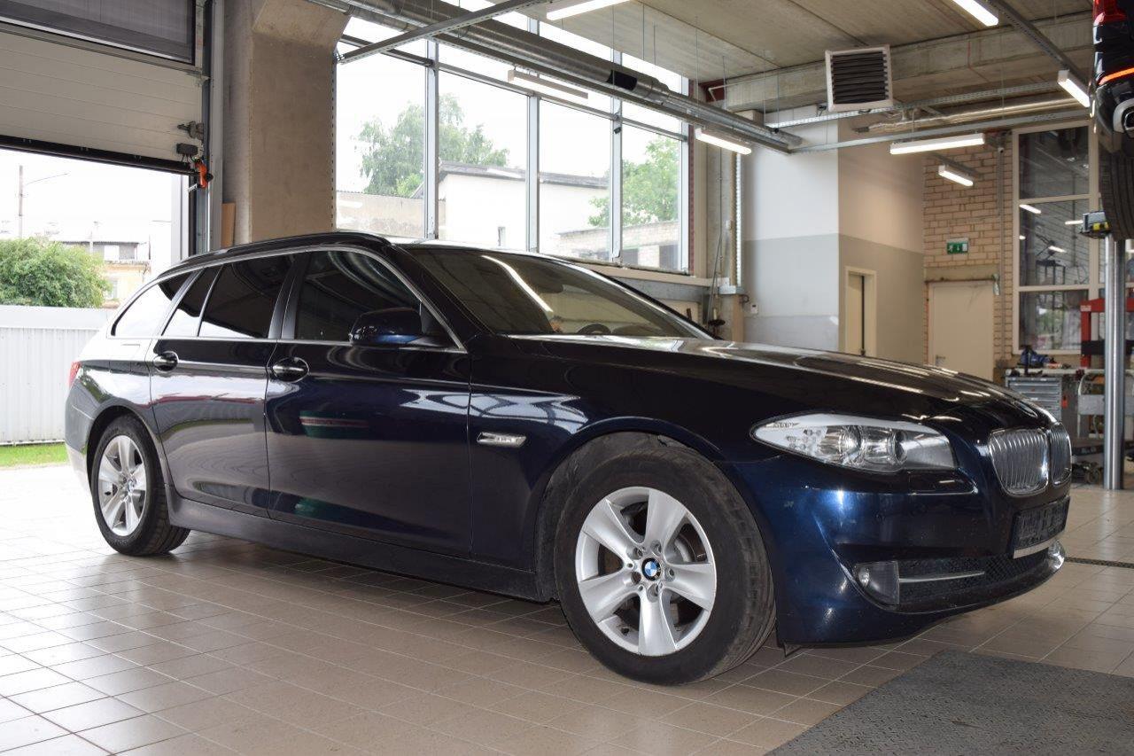 BMW 525, Universalas, 2012