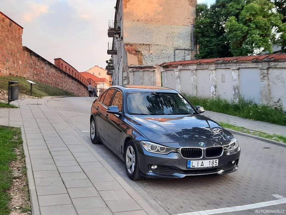 BMW 320, Sedanas