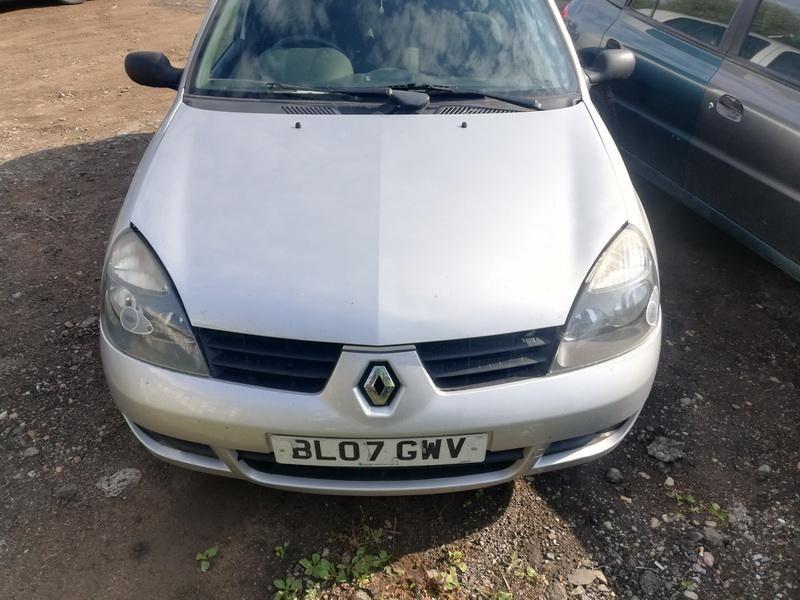 Renault 4, Hatchback