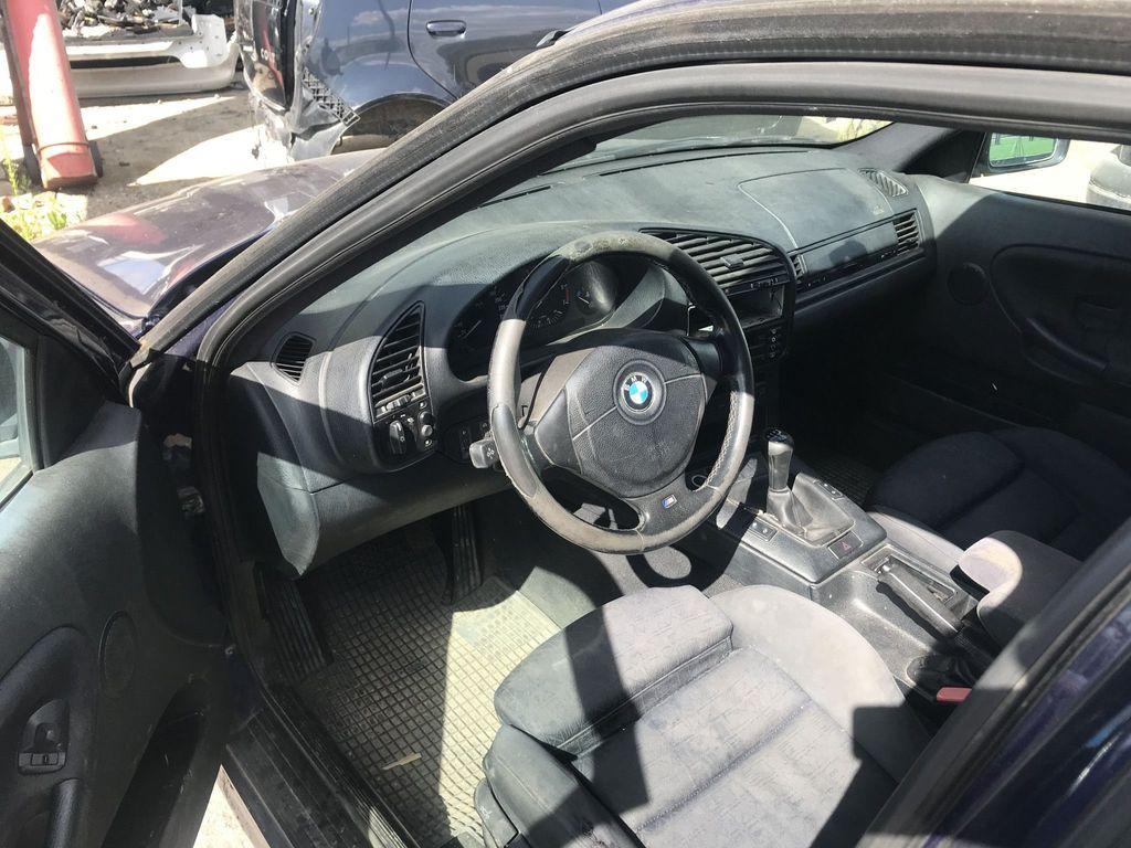 BMW, Universalas