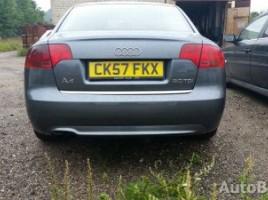 Audi A4, Sedanas   1