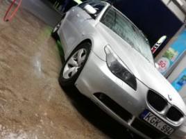 BMW universalas