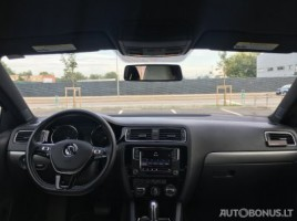 Volkswagen Jetta | 2