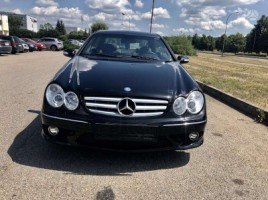 Mercedes-Benz CLK220 | 1