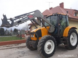 Renault Ares 550 tractor