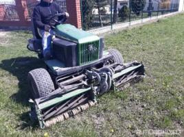 John Deere с газонокосилкой 2653 tractor