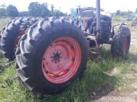 Claas Сeltis traktoriai