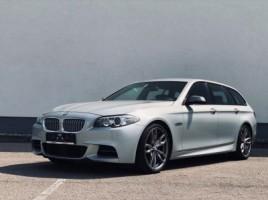 BMW 550 universalas