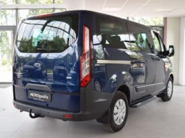 Ford Tourneo Custom commercial