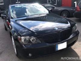BMW 750 limousine