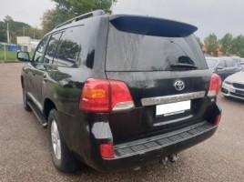 Toyota Land Cruiser | 2