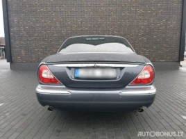 Jaguar XJ8 sedanas