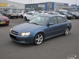Subaru Legacy sedanas