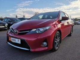 Toyota Auris универсал