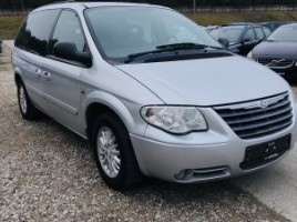 Chrysler Town & Country | 3