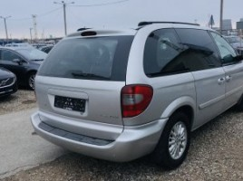 Chrysler Town & Country | 4