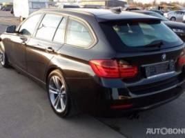 BMW 330 universalas
