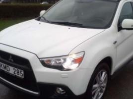 Mitsubishi ASX внедорожник