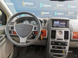 Chrysler Town & Country, 3.8 l., vienatūris | 1