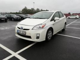 Toyota Prius хэтчбек