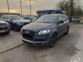 Audi Q7 visureigis