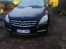 Mercedes-Benz R350 vienatūris