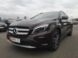 Mercedes-Benz GLA200 visureigis