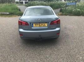 Lexus IS 220 | 3