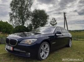 BMW 750 sedanas