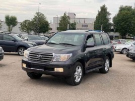 Toyota Land Cruiser visureigis