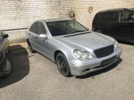 Mercedes-Benz, Sedanas | 3