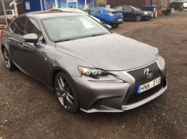 Lexus IS 250 седан