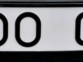 LOO004