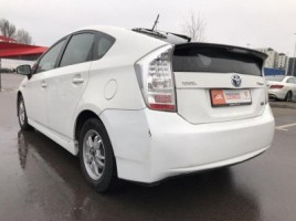 Toyota Prius | 3